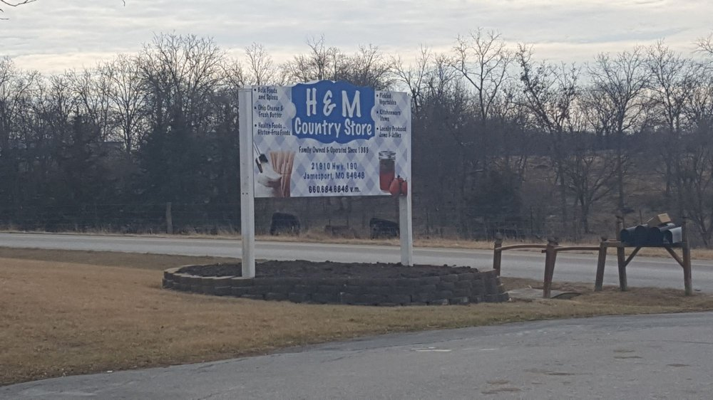 H&M Country Store: 21910 State Hwy 190, Jamesport, MO