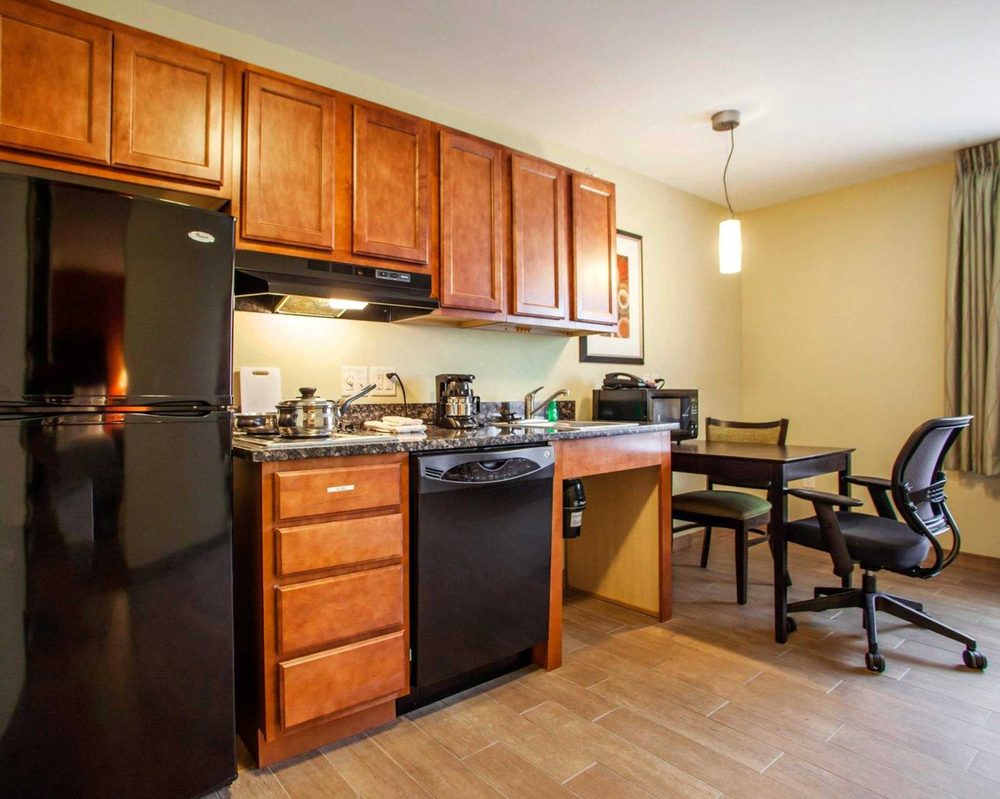 Suburban Extended Stay Hotel Cedar Falls: 300 Viking Rd, Cedar Falls, IA