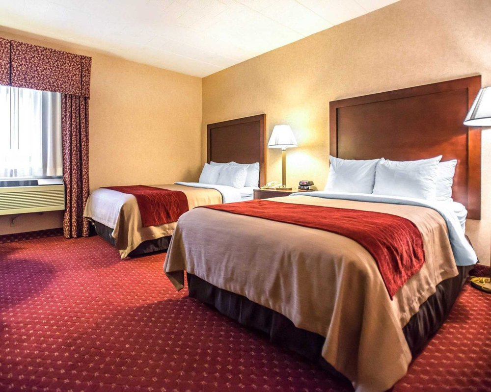 Comfort Inn Pocono Lakes Region: 117 Twin Rocks Rd, Lake Ariel, PA
