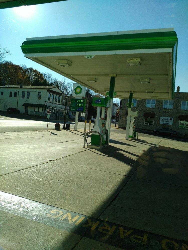 Bp Gas: Hwy 73 & E Nelson St, Deerfield, WI