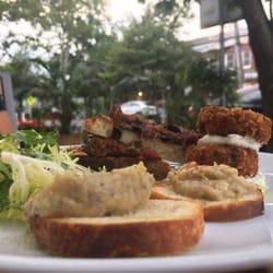 2 Almond Restaurant