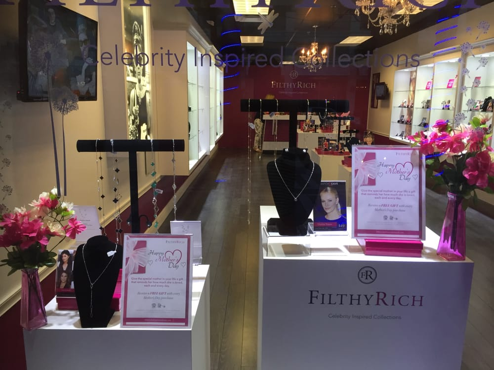Filthy Rich of  Clearwater Beach: 483 Mandalay Ave, Clearwater Beach, FL
