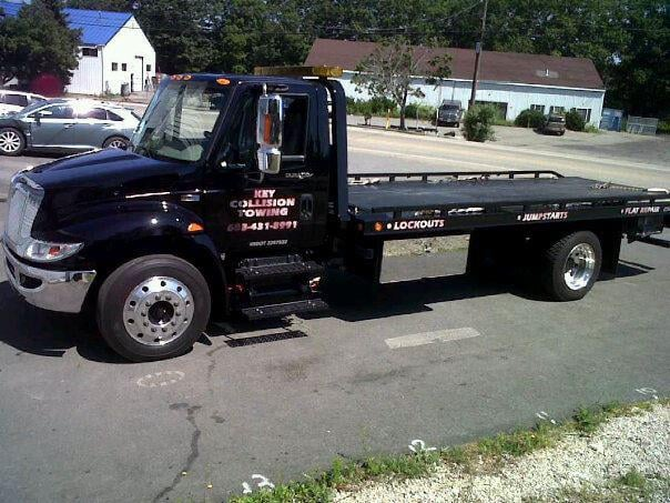 Key Collision towing and recovery: 4 Mirona Rd, Portsmouth, NH