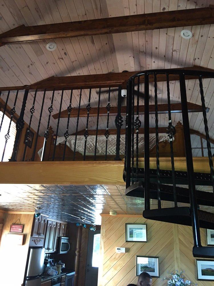 Aquilla Creek Cottage: 6136 Aquilla Creek Rd, East Bend, NC