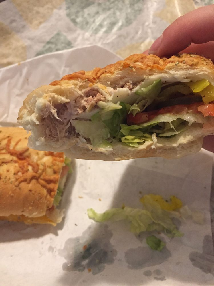 Subway: 160 Tri County Ln, Belle Vernon, PA