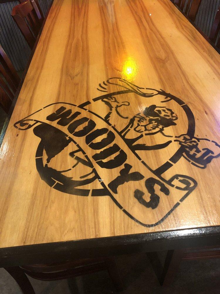 Woody's Pizza: 849 Volunteer Dr, Paris, TN