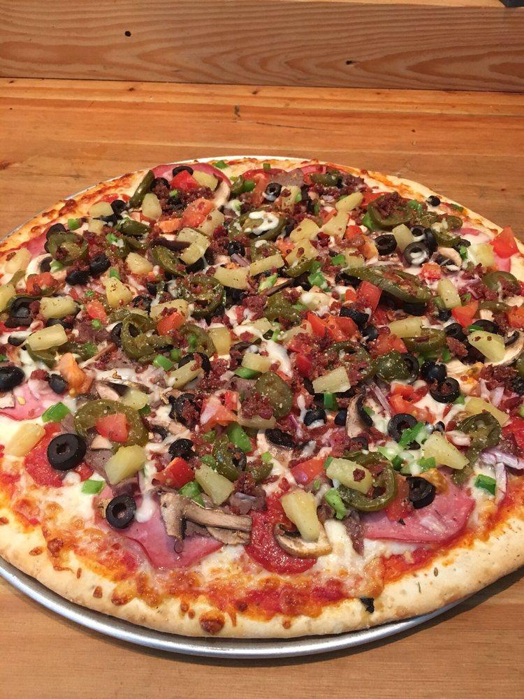 Sunnyside Pizza: 202 Short St, Clyde Park, MT