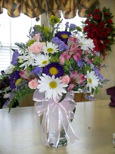 Parkside Florist: 2873 US Hwy 117 S, Dudley, NC