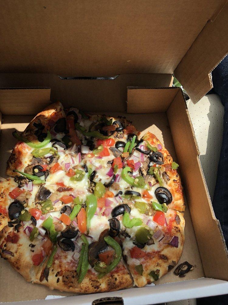 Mamacita Pizzeria: 20814 Hwy 84, Abiquiu, NM