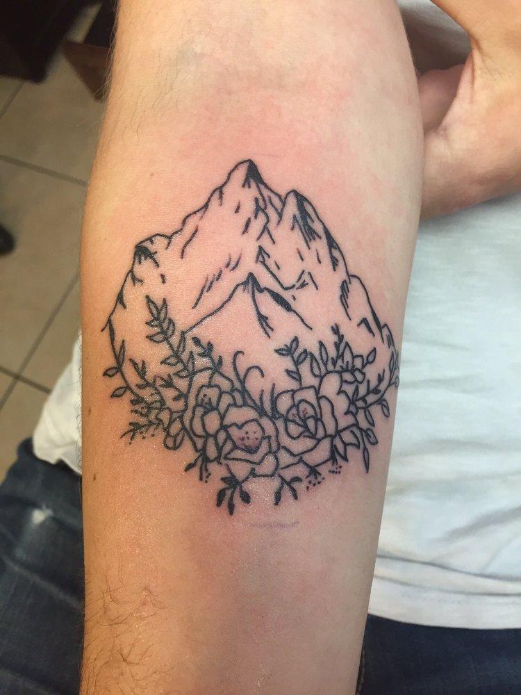 Mainstream Tattoos: 1240 W Main St, Tupelo, MS