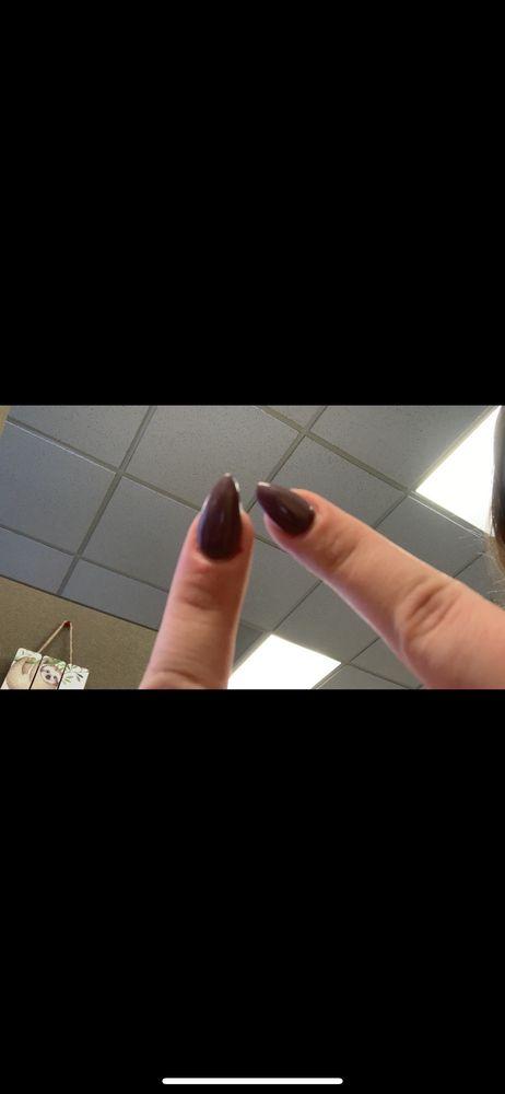 allure nails: 2503 7th St S, Moorhead, MN
