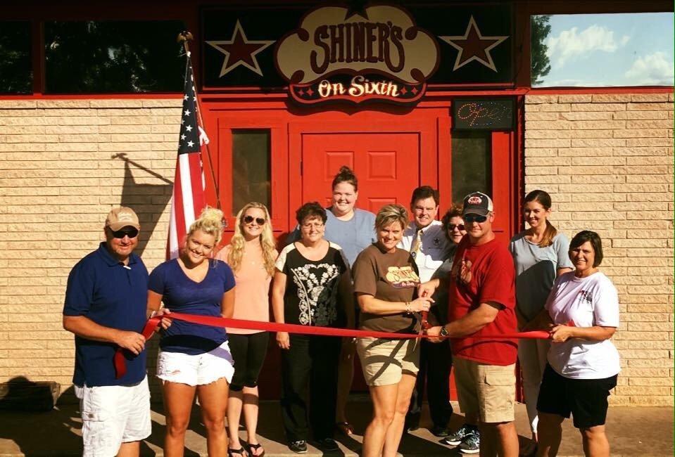 Shiner's on Sixth: 316 W 6th, Shiner, TX