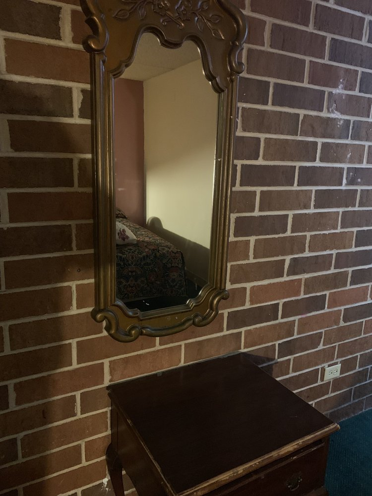 Plaza Inn Motel