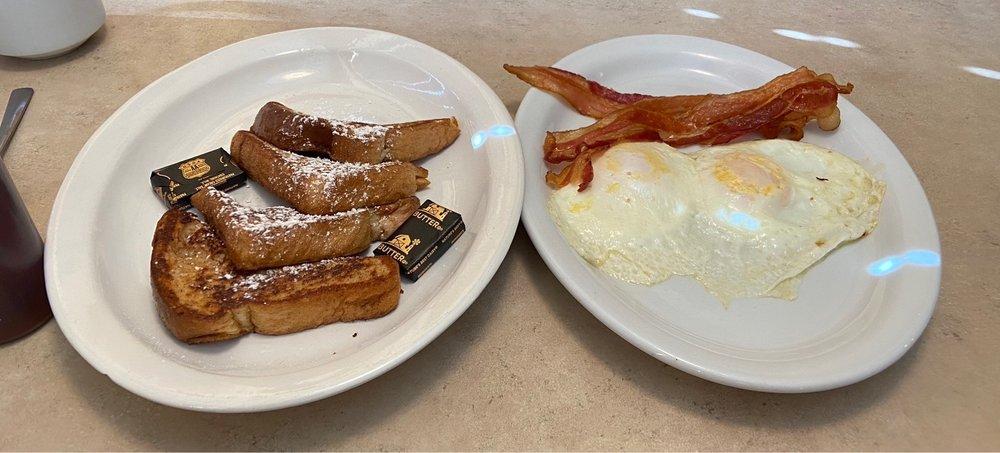 Wooden Spoon Diner: 6960 Florida Ave S, Lakeland, FL