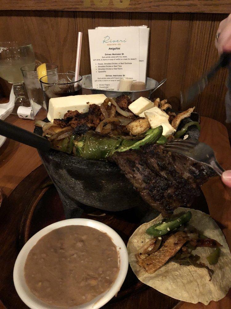 Rivers' Mexican Cantina & Grill: 407 Sycamore Rd, Genoa, IL