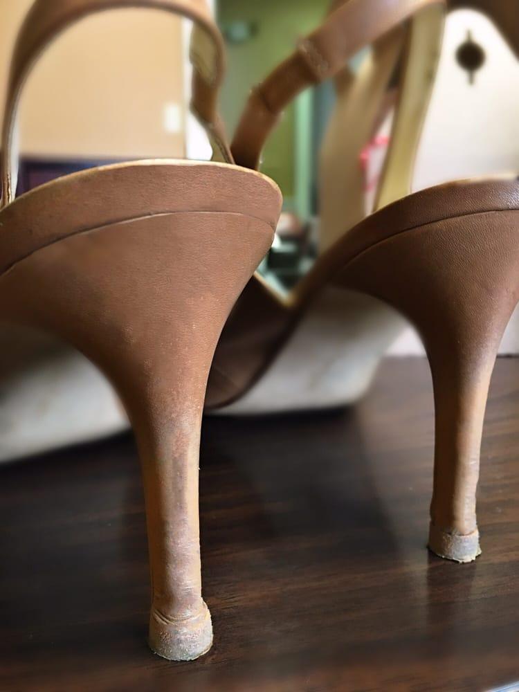 Tony's Shoe Repair: 144 W Short St, Lexington, KY