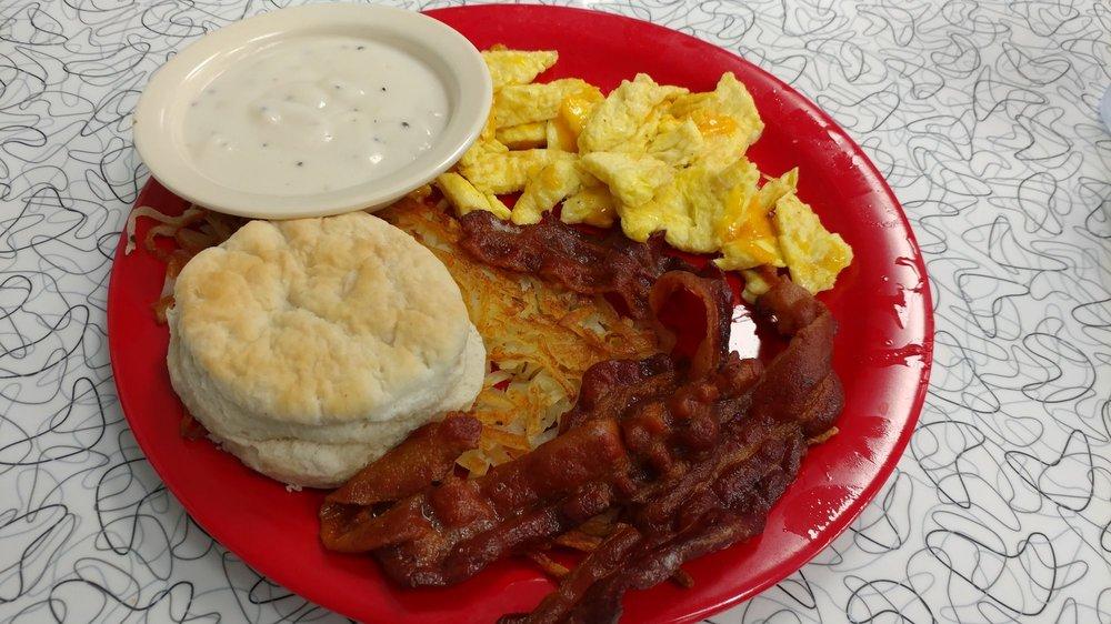 Boomarang Diner: 835 W Main St, Duncan, OK