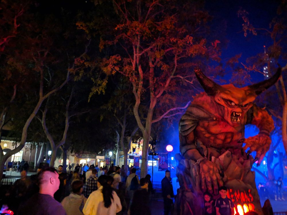 Six Flags Fright Fest 2018: 26101 Magic Mountain Pkwy, Valencia, CA