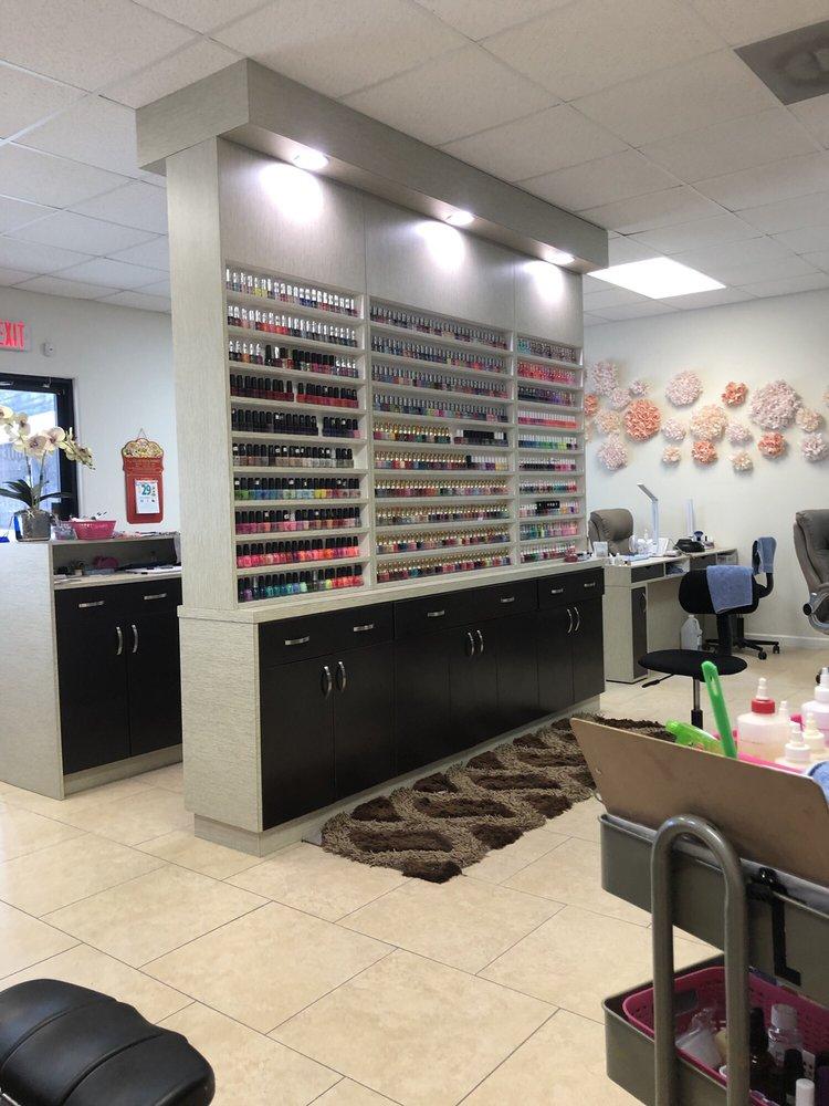 Unique Nails: 306 N Main St, Dayton, TX