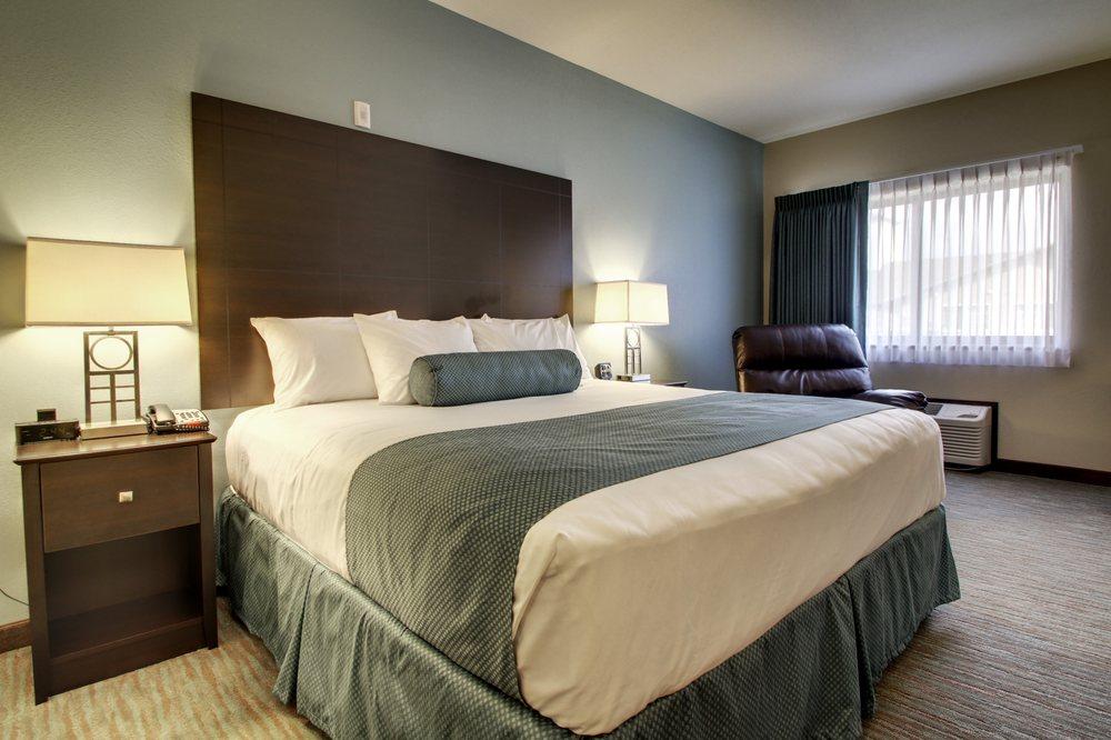 Cobblestone Inn & Suites - Fort Dodge: 523 Kirkberg Blvd, Fort Dodge, IA