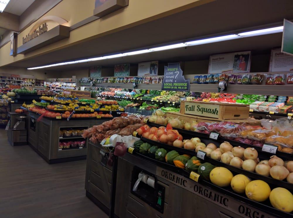 Safeway Foods & Drug: 401 W Columbia River Hwy, Clatskanie, OR