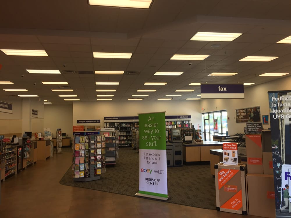 FedEx Office Print & Ship Center: 800 N New Ballas Rd, Creve Coeur, MO