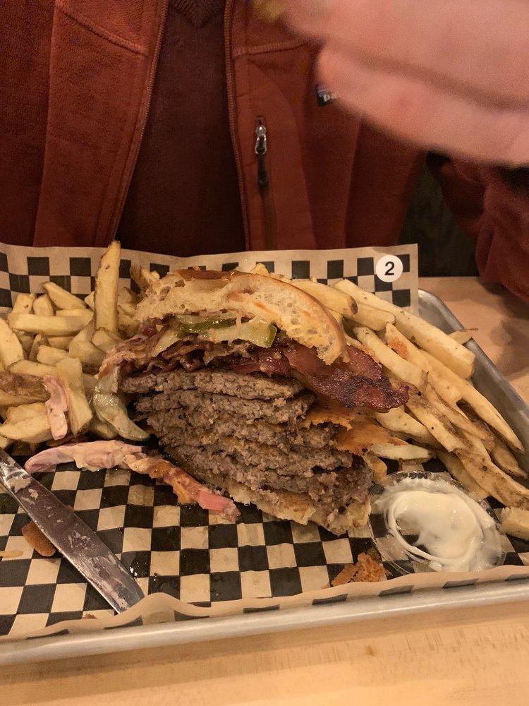 Bagger Dave's Burger Tavern: 2886 E Dupont Rd, Fort Wayne, IN