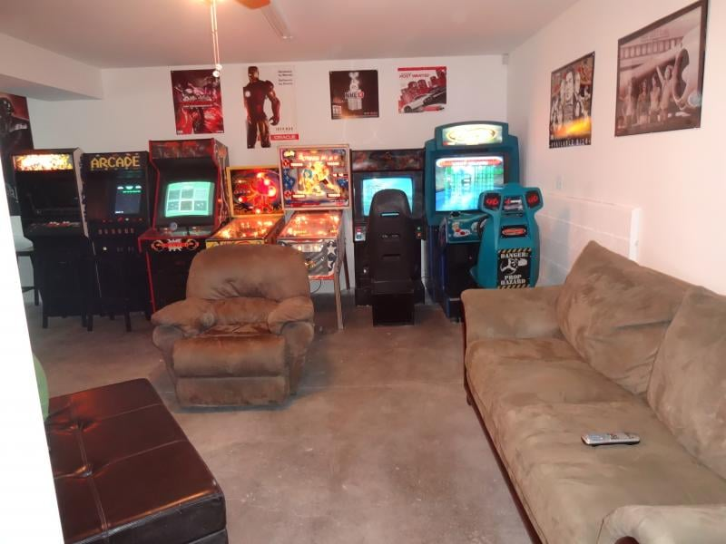 Fantastic arcade game room yelp for Big game room