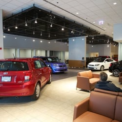 Grossinger City Toyota Photos Reviews Car Dealers - Toyota dealerships chicago