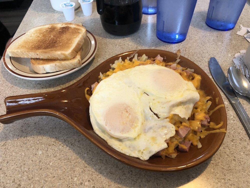 Sunrise Cafe: 906 6th Ave, DeWitt, IA