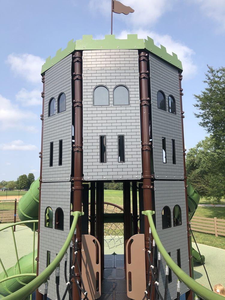 Kids Castle At Deerpath Park: 276 E Saddle Back Rd, Vernon Hills, IL