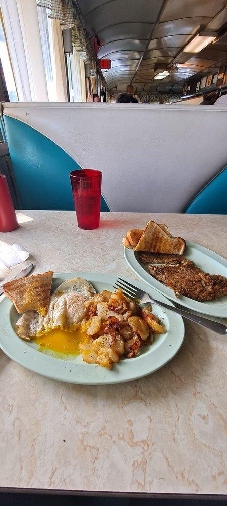 Mike and Travis Mountain Restaurant: 14954 Buchanan Trl E, Blue Ridge, PA