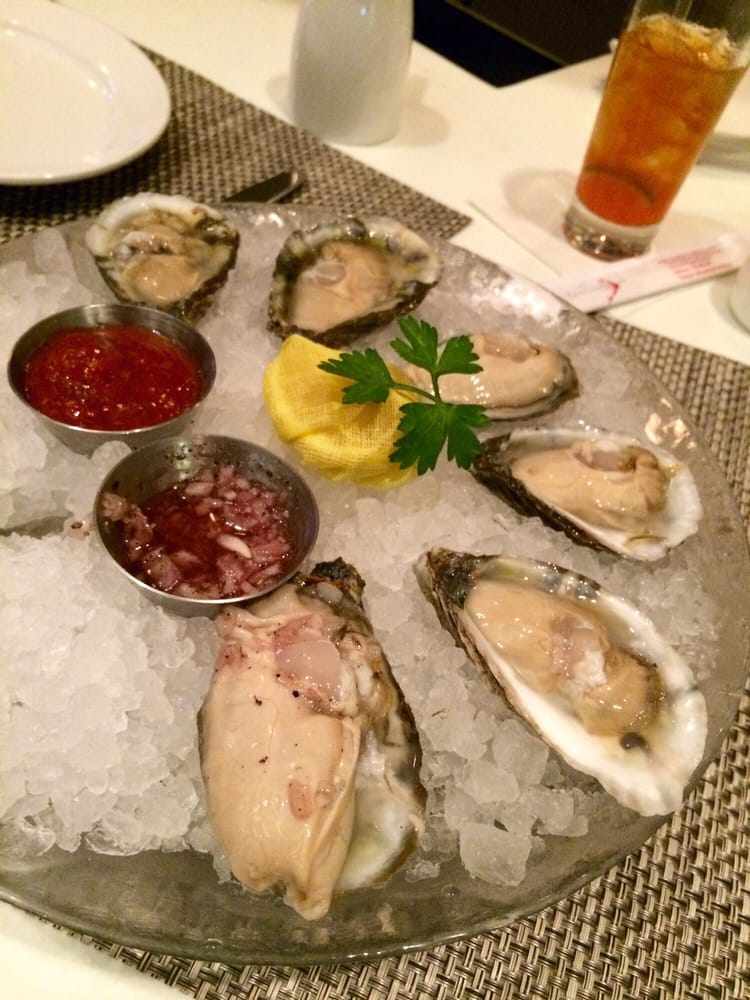 Great selection of raw oysters these were the double d 39 s for Passion fish reston