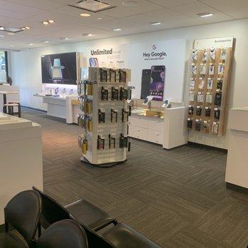 Sprint Store - 17133 Ventura Blvd, Encino, Encino, CA - 2019