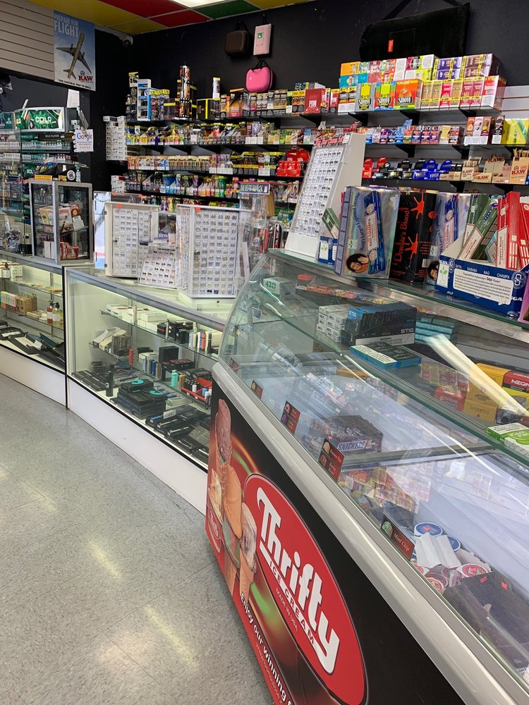 So*cal Smoke Shop: 1251 E Main St, Barstow, CA