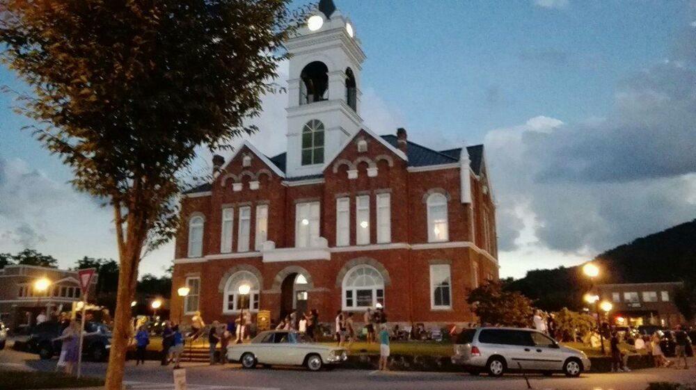 Michaelee's Italian Life Caffe: 6C Town Square, Blairsville, GA