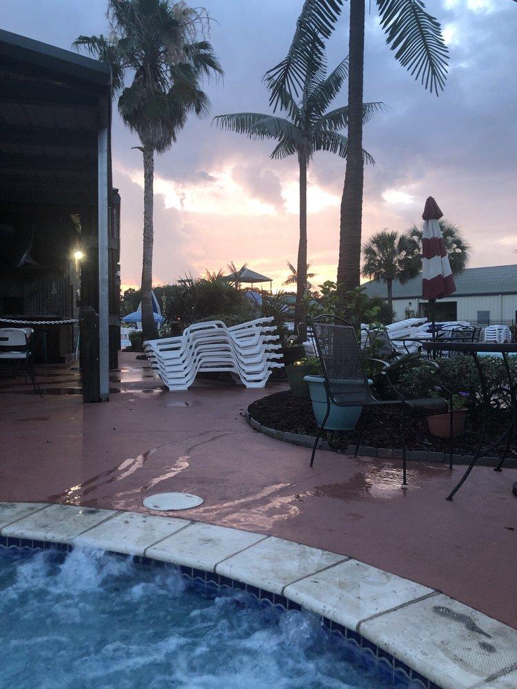 Cajun Palms RV Resort: 1055 N Barn Rd, Breaux Bridge, LA