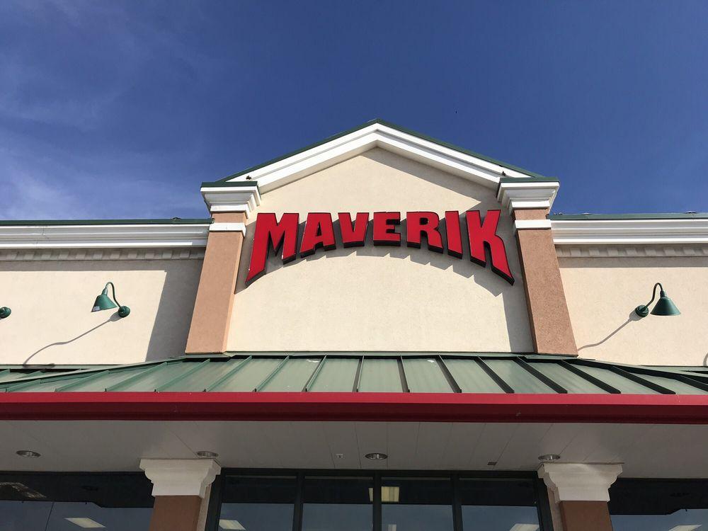 Maverik: 2110 N Park Dr, Winslow, AZ