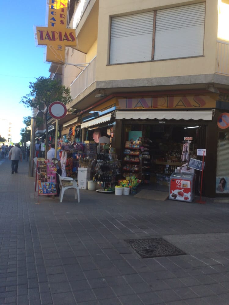 Tapias ragull montserrat shopping centers calle - Calle montserrat barcelona ...
