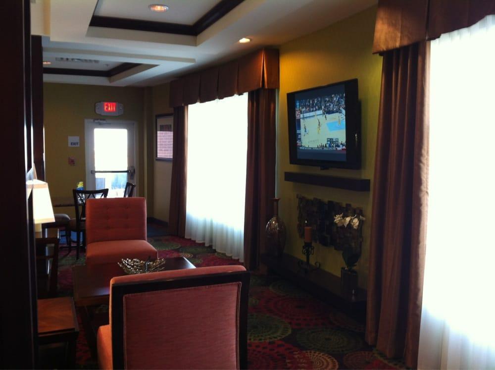 Holiday Inn Express & Suites Elk City: 2101 E 3rd St, Elk City, OK