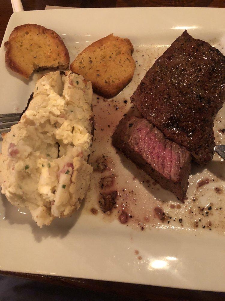 Bandana Red's Steakhouse: 37808 Old Hwy 270, Shawnee, OK