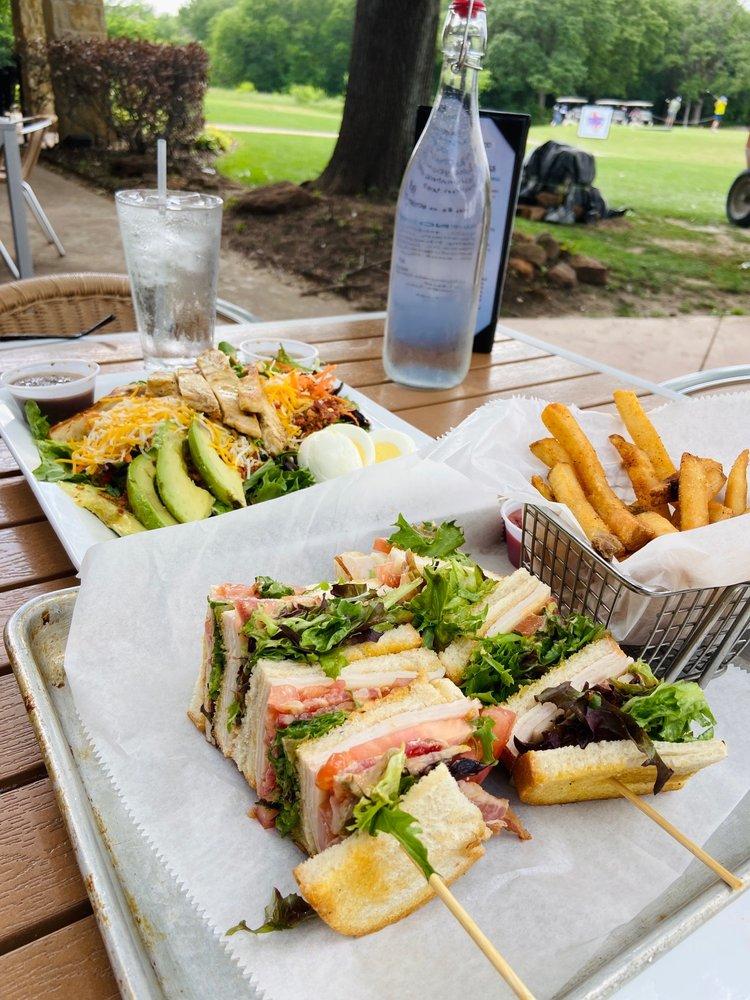 Bridlewood Bar & Grill: 4000 W Windsor Dr, Flower Mound, TX