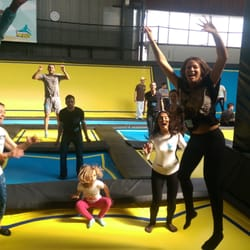 trampoline park 13 photos 11 reviews kids activities le lac bordeaux france phone. Black Bedroom Furniture Sets. Home Design Ideas