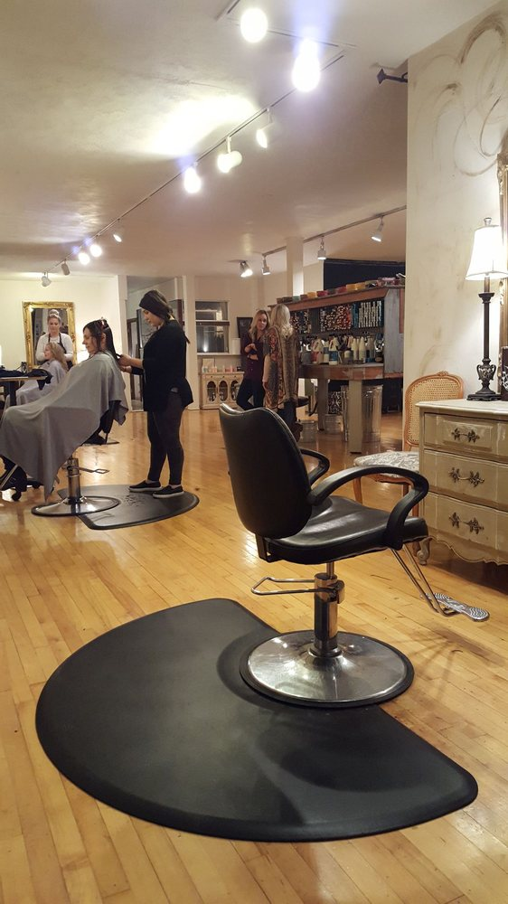 Salon Nouveau: 3602 East Market St, York, PA