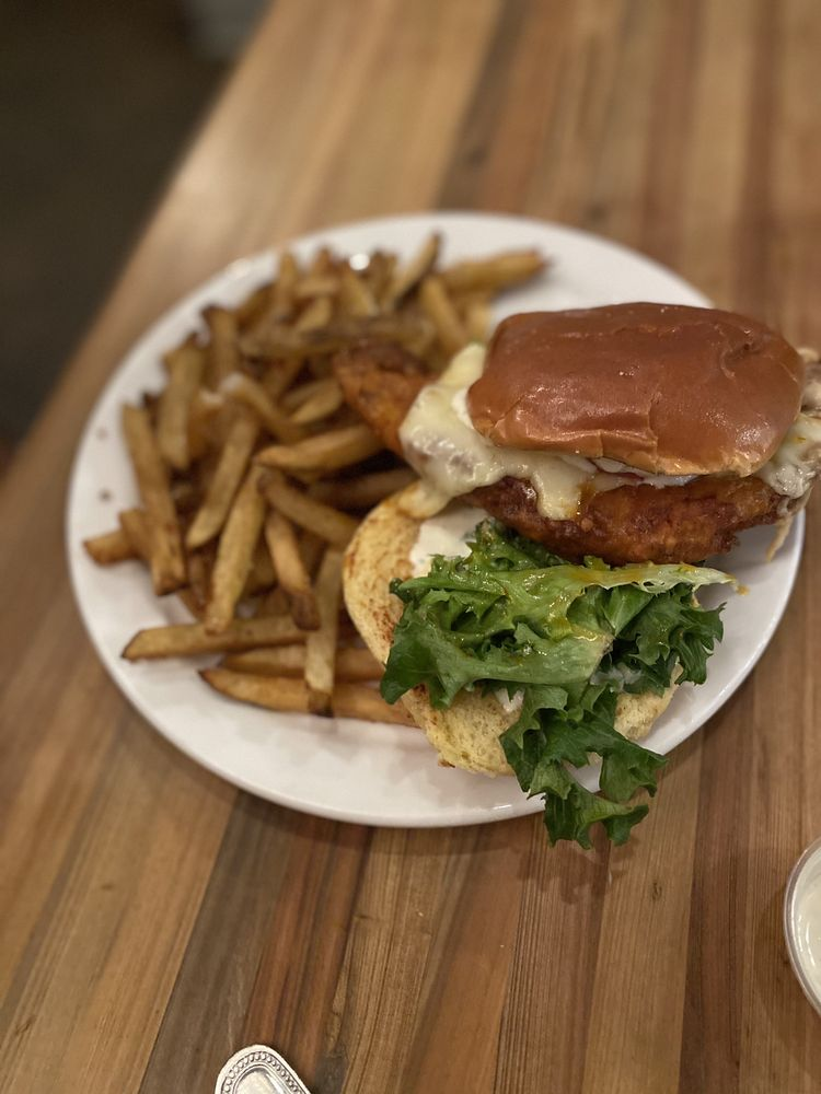 Sweet Grass Dairy Cheese Shop & Restaurant: 123 S Broad St, Thomasville, GA