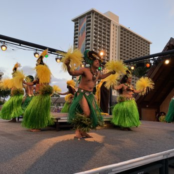 Waikiki Starlight Luau at the Hilton Hawaiian Village - 294