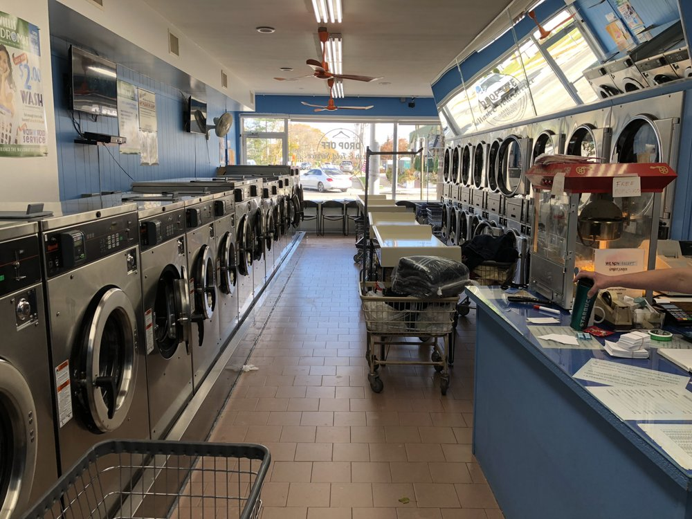Willis Laundromat: 965 Willis Ave, Albertson, NY
