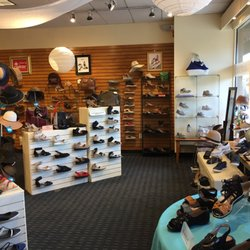 532a7b4110b Simons Shoes - 28 Reviews - Shoe Stores - 282 Harvard St