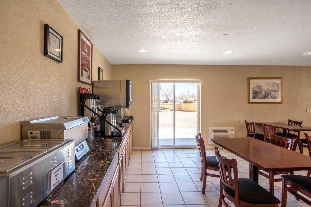 Econo Lodge I-40 Exit 286-Holbrook: 2211 Navajo Blvd, Holbrook, AZ