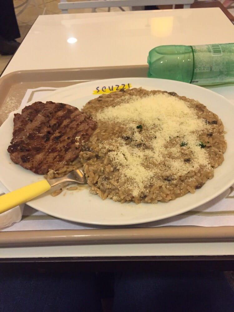 Scuzzi Risoteria & Grill